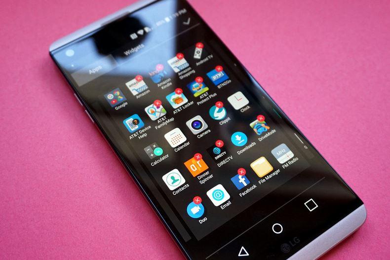 """Điện thoại phiên bản AT&T thường có hàng tá bloatware """"tặng kèm""""."""