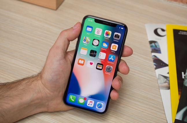 Apple tuyên bố sẽ tiếp tục sản xuất iPhone X khi đối mặt với doanh số thấp so với SX