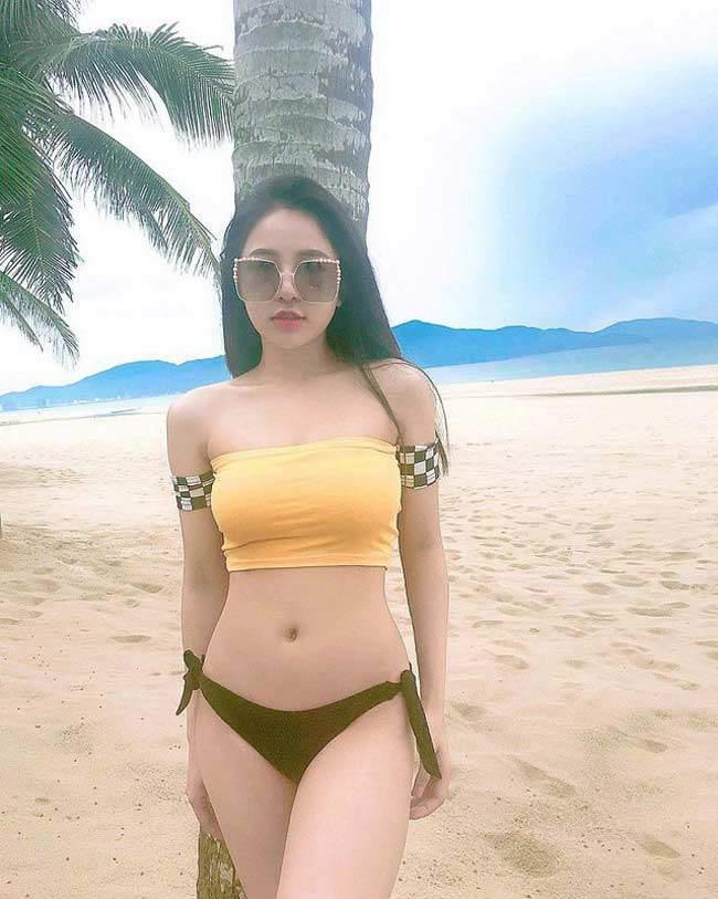 Hot girl dược sĩ trở thành tâm điểm trên công đồng mạng khi tung ra nhiều hình ảnh sexy và nóng bỏng
